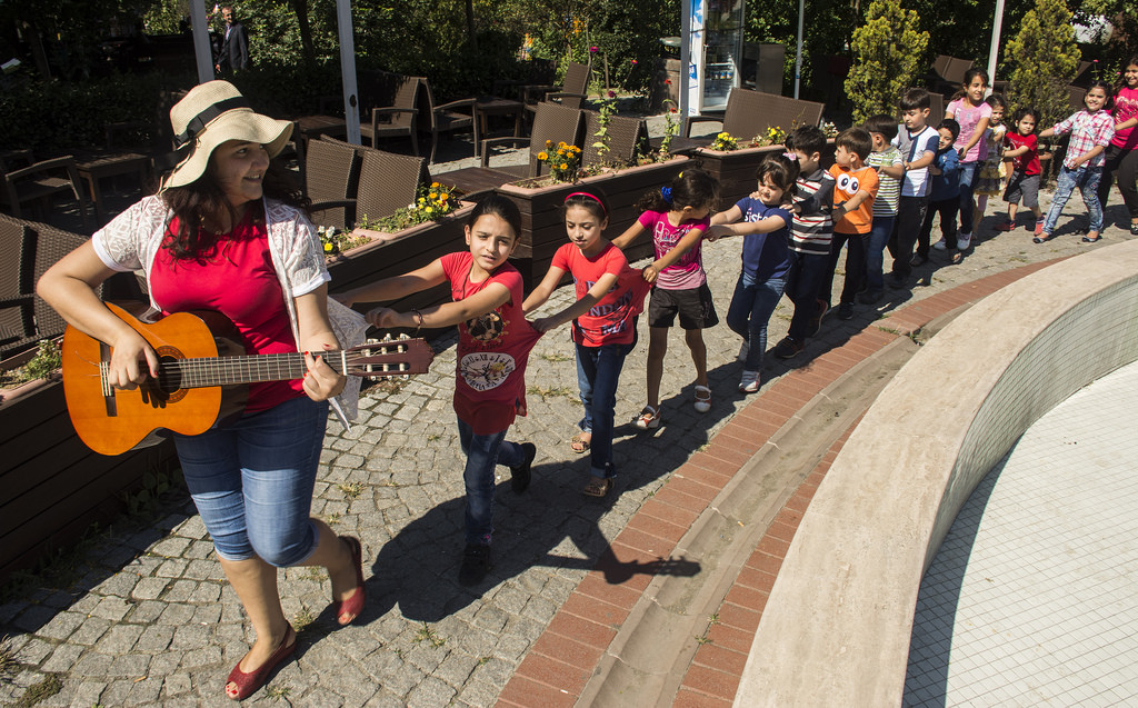 Syrian Refugees Find Rare Solace in Music Programs
